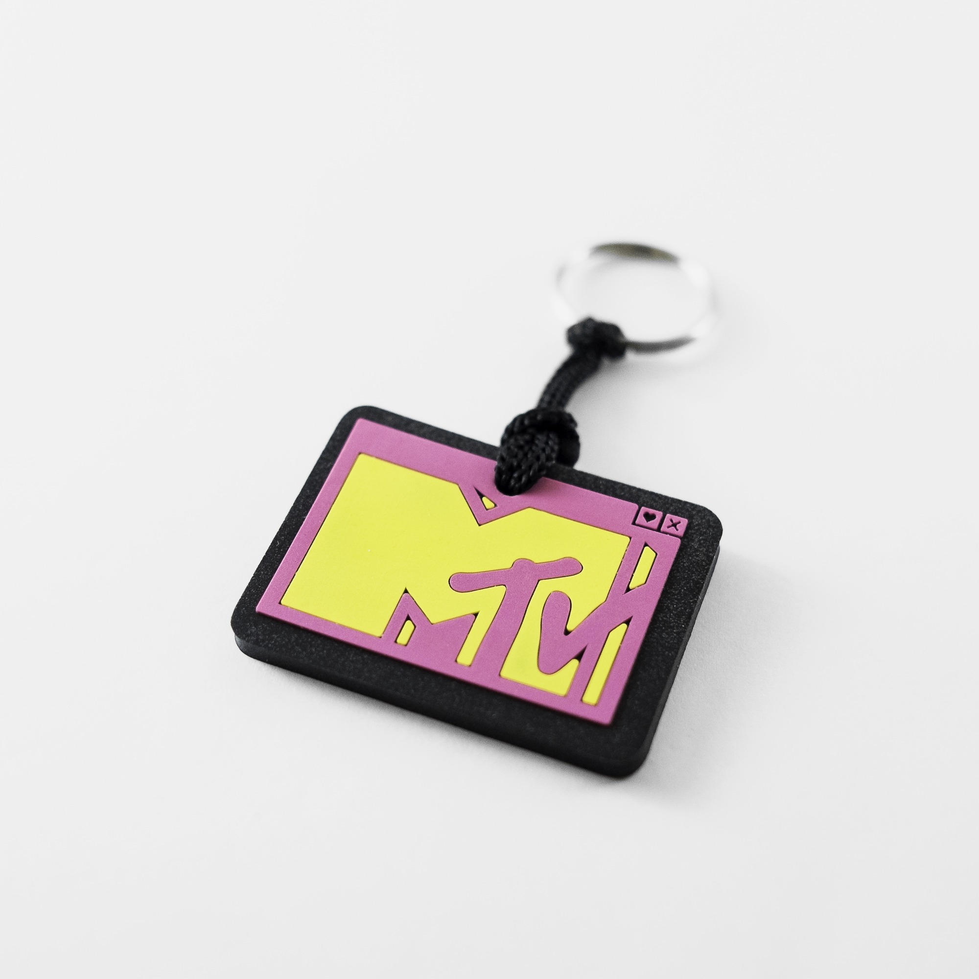 chaveiro emborrachado MTV relevo